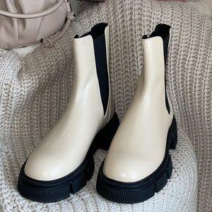 NWT Zara Off White Chelsea Leather Boot Sz 6.5/7